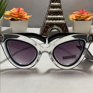 Cat Eye Designer Sunglasses in Black